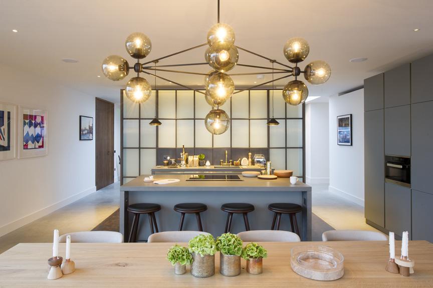 Spacious apartment design in battersea, uk